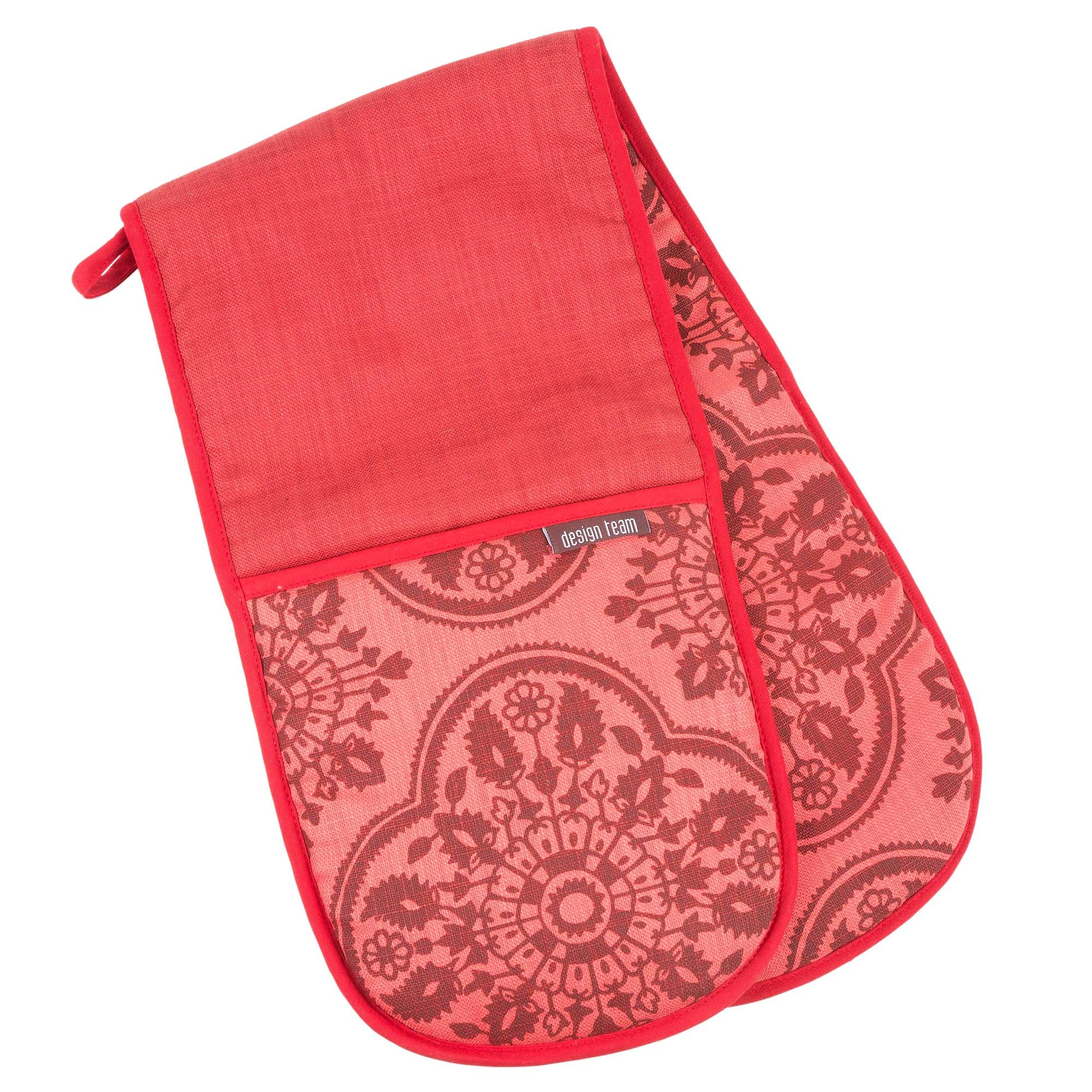 Red Keswick oven gloves