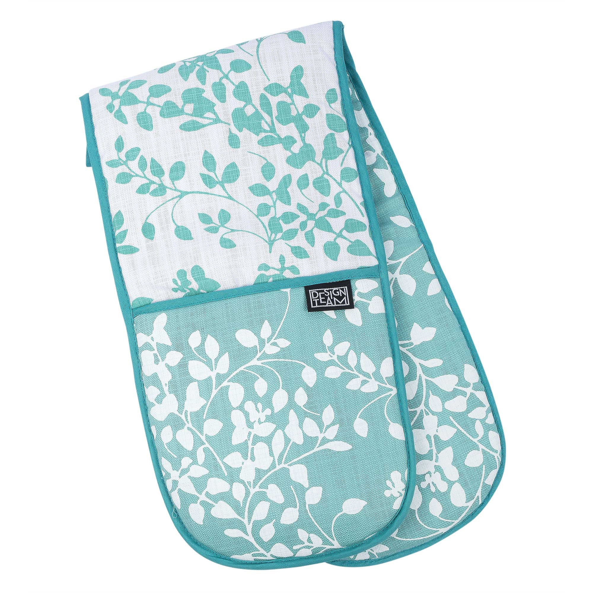 Turquoise leaflet oven gloves