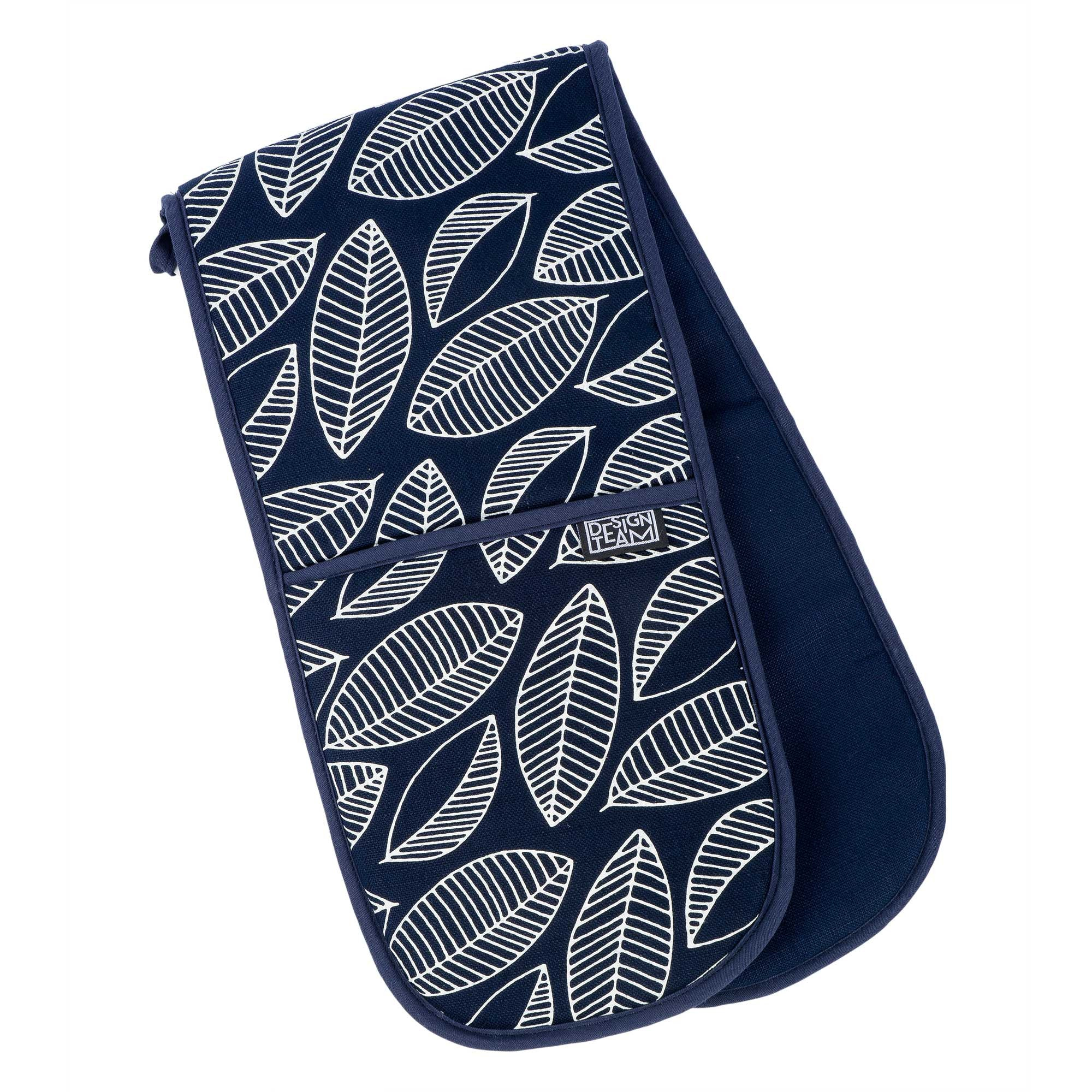 Navy foliage oven gloves