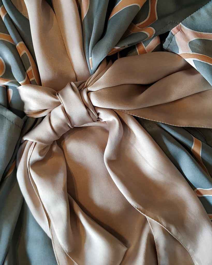 an other silk fabric knot