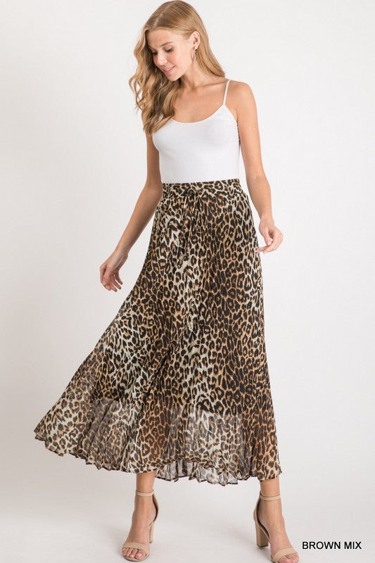 Leopard print pleated long skirt