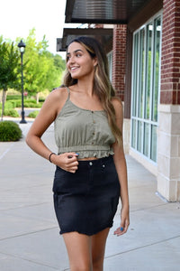 Button front cinched waist crop top