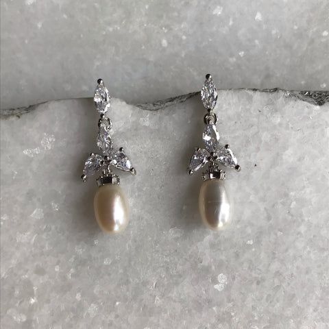 Olivia Pearl Earrings