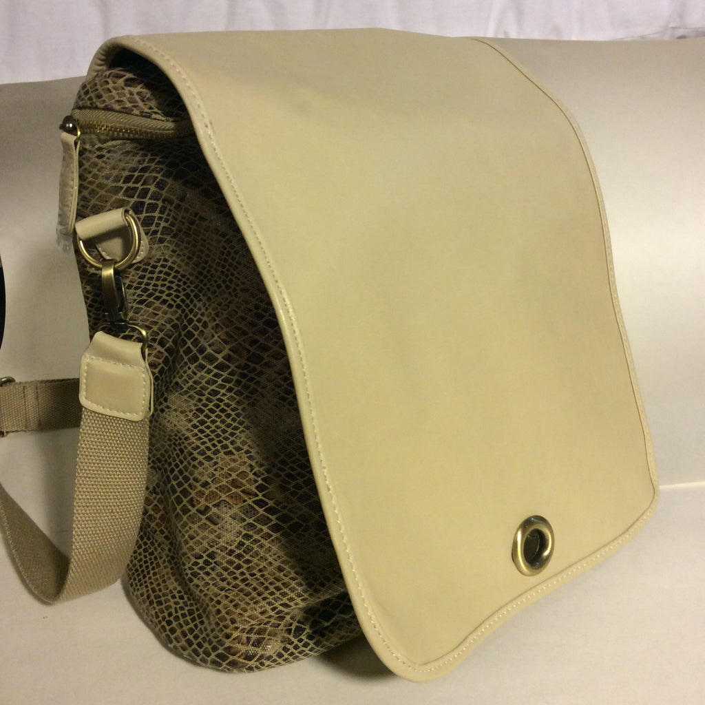Snake Print Backpack - LAQUOR - 1