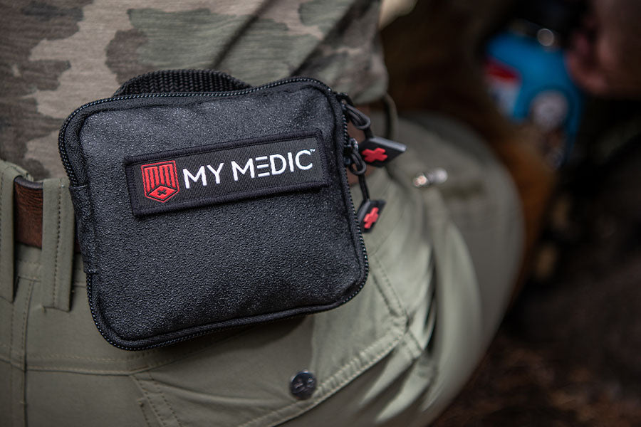 Easy to carry first aid kit bag can be easily carried along with other equipment