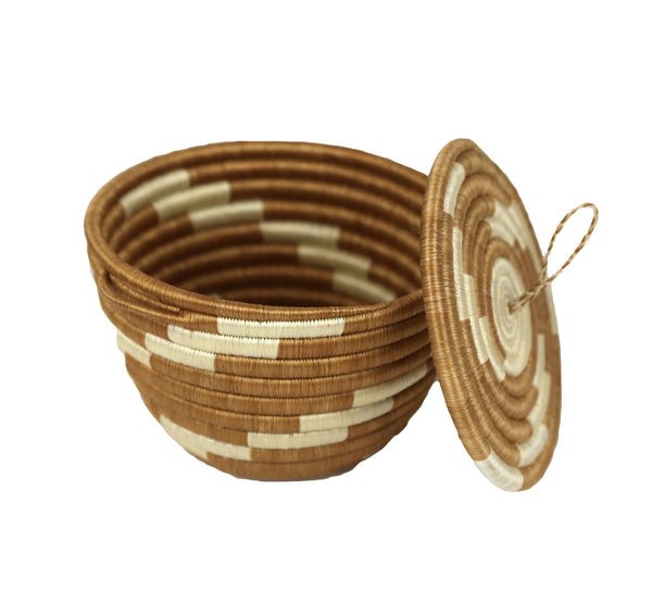 Rwandan Sisal Bowl With Handles and Lid - Shades of Beige and Ivory - Rwanda