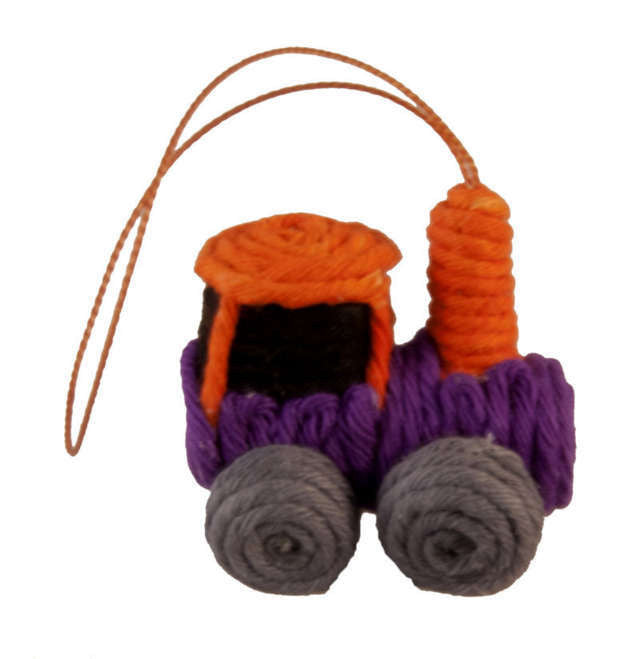 Yarn Train Ornament - Colombia