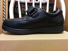 Load image into Gallery viewer, Bell Horn Men's Prescott Diabetic Shoes - Black - Wide FREE Heat Moldable Insert - Scrubsnmed