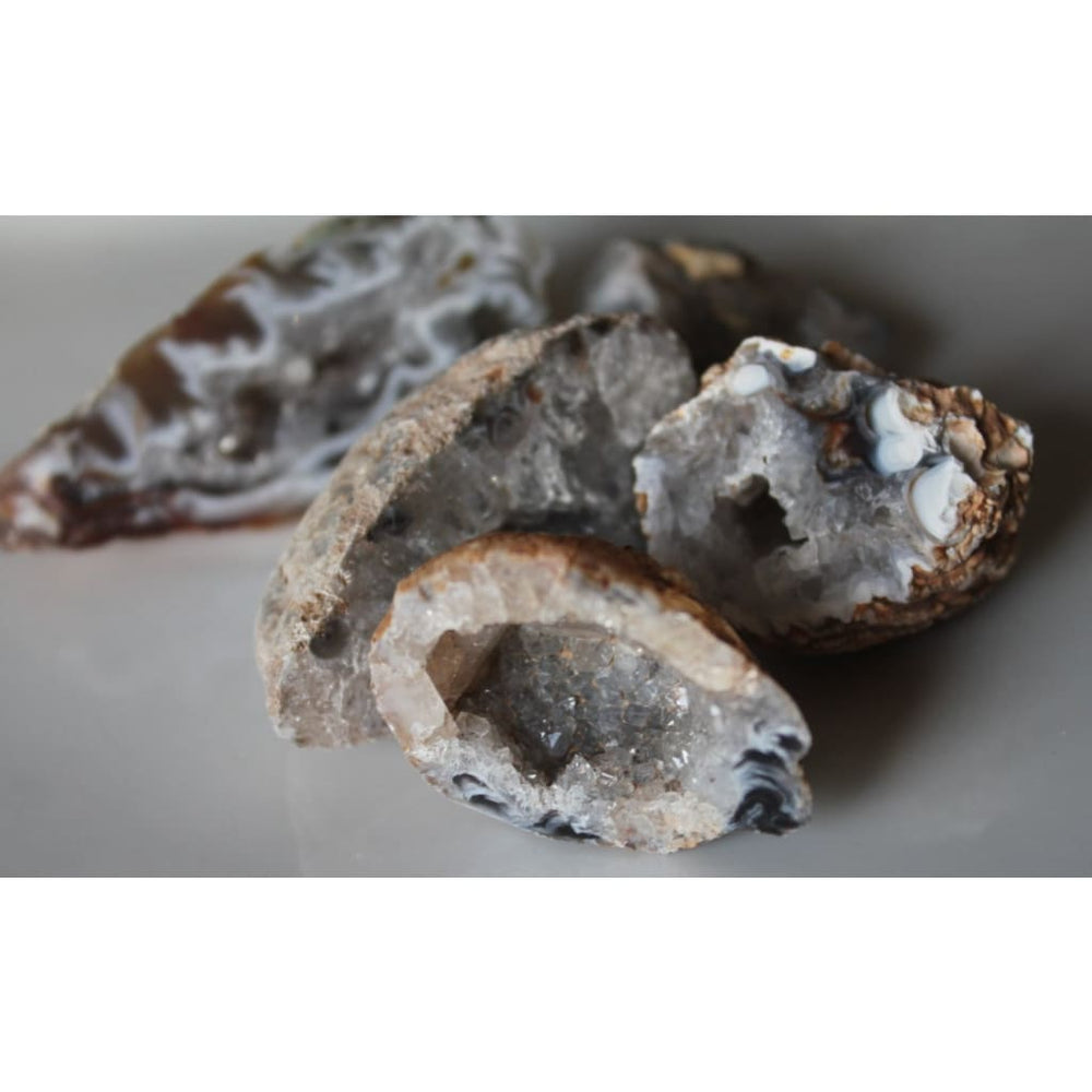 Agate Druzy Geode / PROTECTION GROUNDING / Harmonize mind body and spirit - Natural Crystals