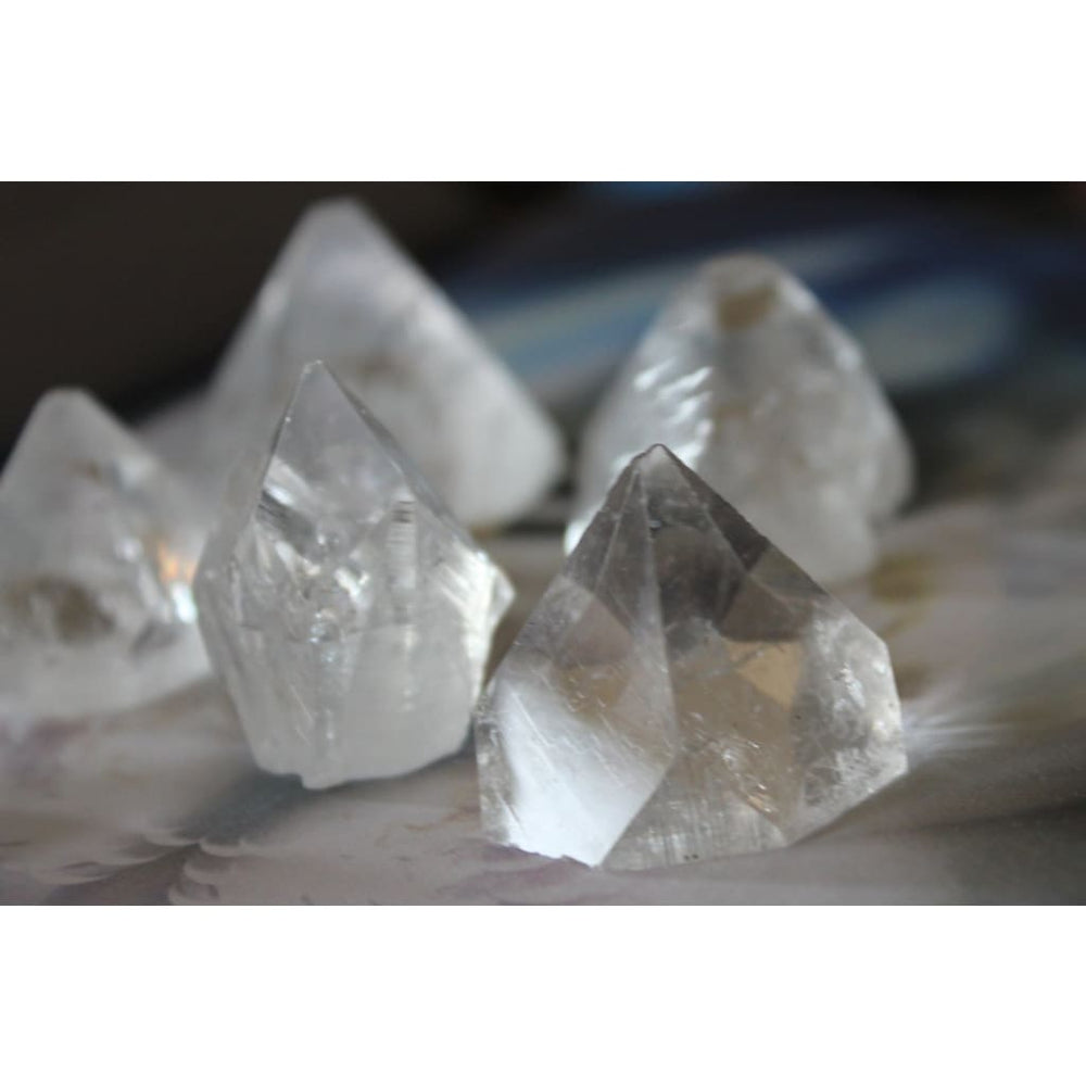APOPHYLLITE PYRAMIDS / Raise your vibrations / Aid in meditation / Call on angels and guides - Natural Crystals
