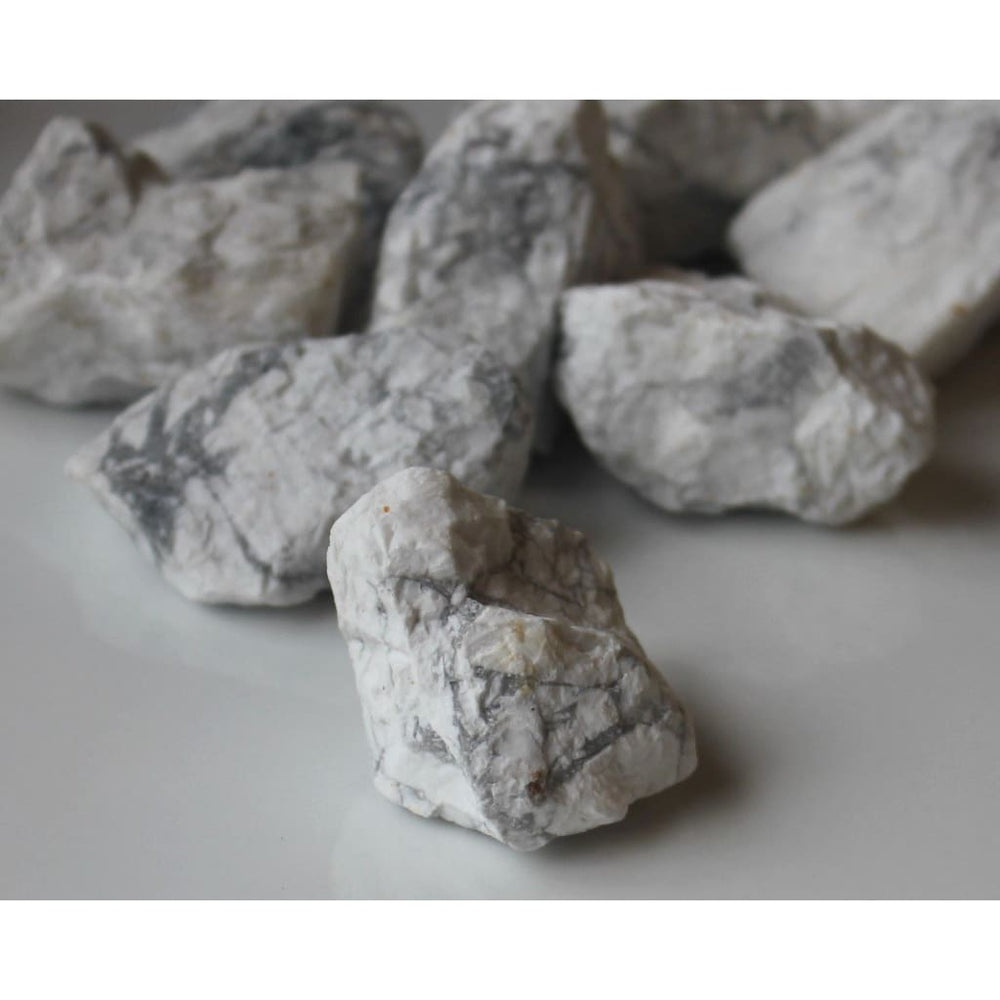Raw Howlite Chunk / Patience / Insomnia / Improve memory / Meditation / ALL Chakras / Gemini - Natural Crystals