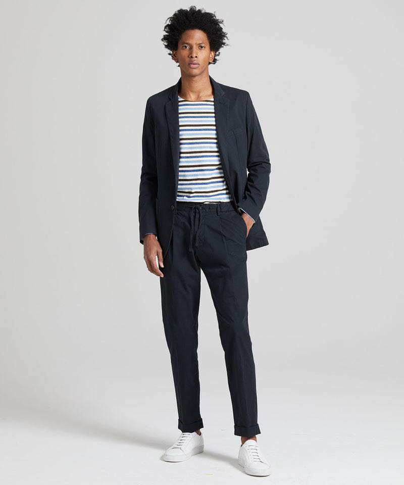 Garment Dyed Traveler Suit in Navy