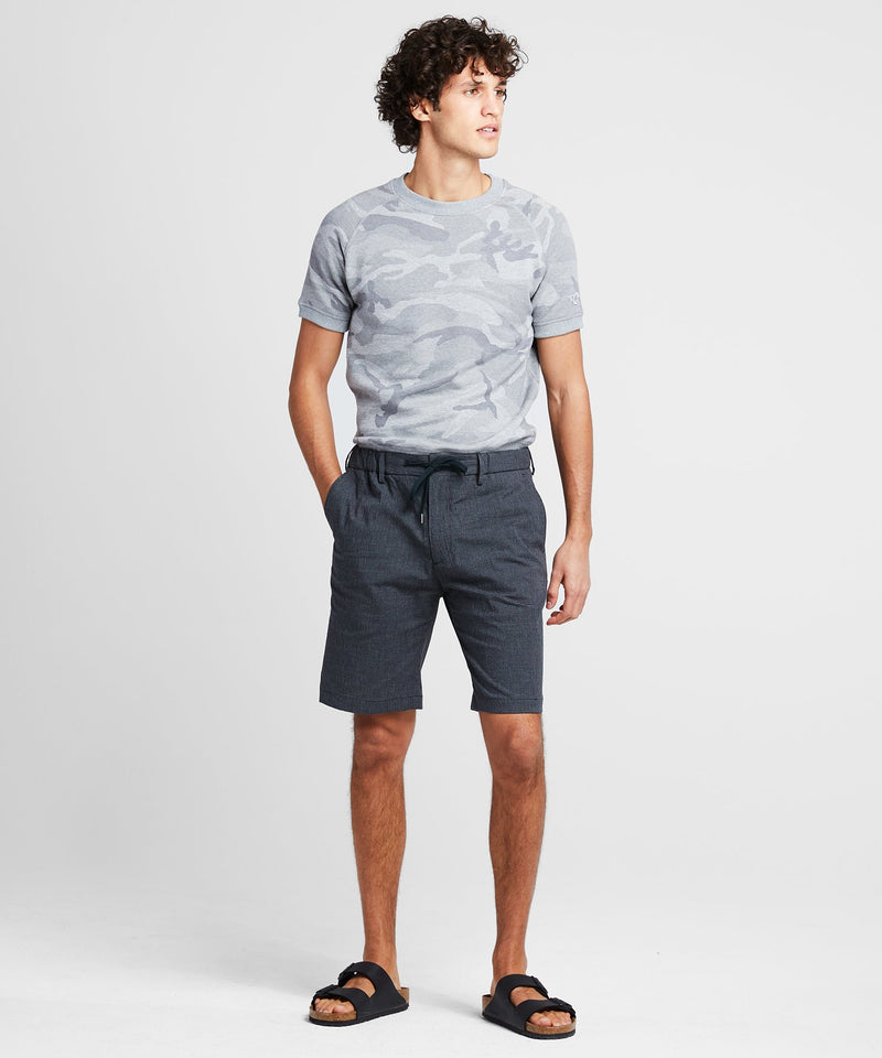"10"" Gingham Seersucker Traveler Short in Black"