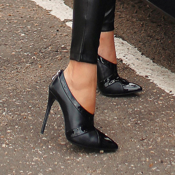 Dina Black Leather Pumps