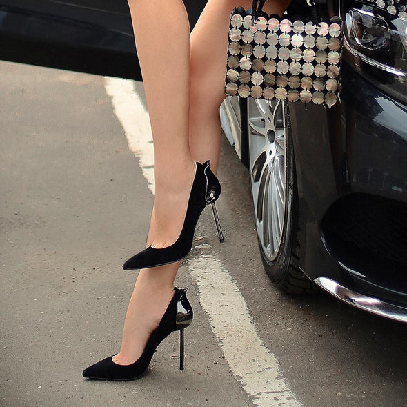 Princess Black Pumps