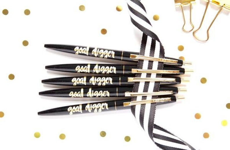Taylor Elliott Pen Set In Gift Box | Goal Digger | Cards/Stationary | $18