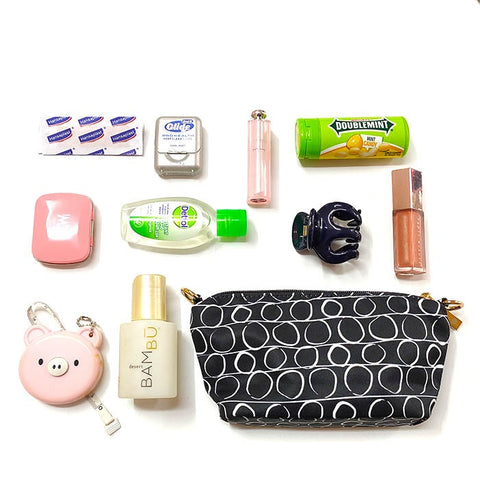 whats-in-my-purse-gin-jacqie