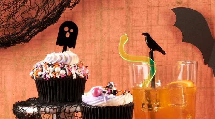 Spoopy Giveaway Short sticks on cupcakes