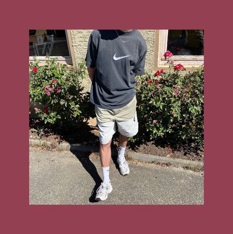 Vintage Nike Swoosh T-shirt Outfit