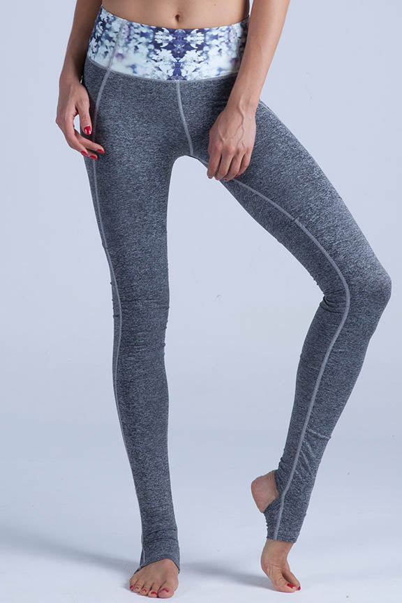Miss Runner leggings yoga pants tights activewear sportswear all high impact comfy lycra compression running gym hiking sustainable woman gymwear yogawear sale discounts free shipping worldwide active fit fitness
