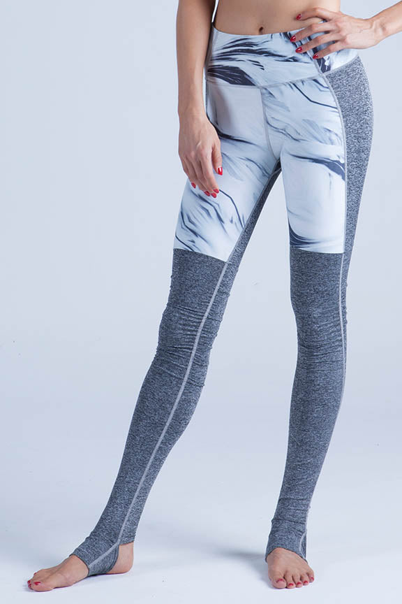 Miss Runner leggings yoga pants tights activewear sportswear all high impact comfy lycra compression running gym hiking sustainable woman stirrup mesh gymwear yogawear sale discounts free shipping worldwide active fit fitness