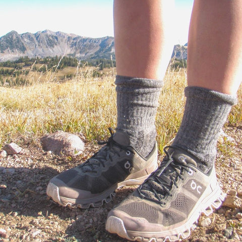 Hiking Socks : Best Alpaca Men's Hiking & Running Socks for Winters