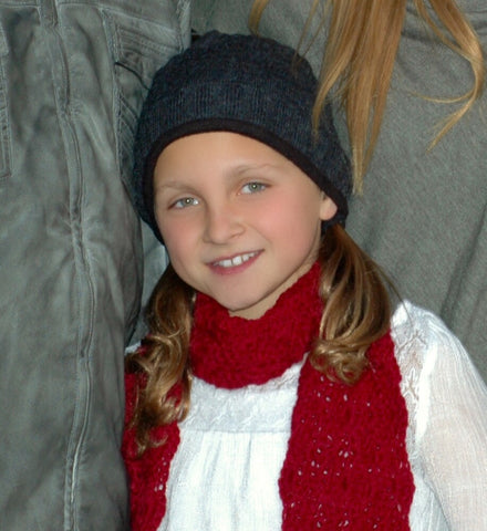 young girl wearing a gray Alpaca hat