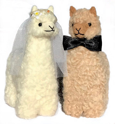 bride and groom alpacas as gift