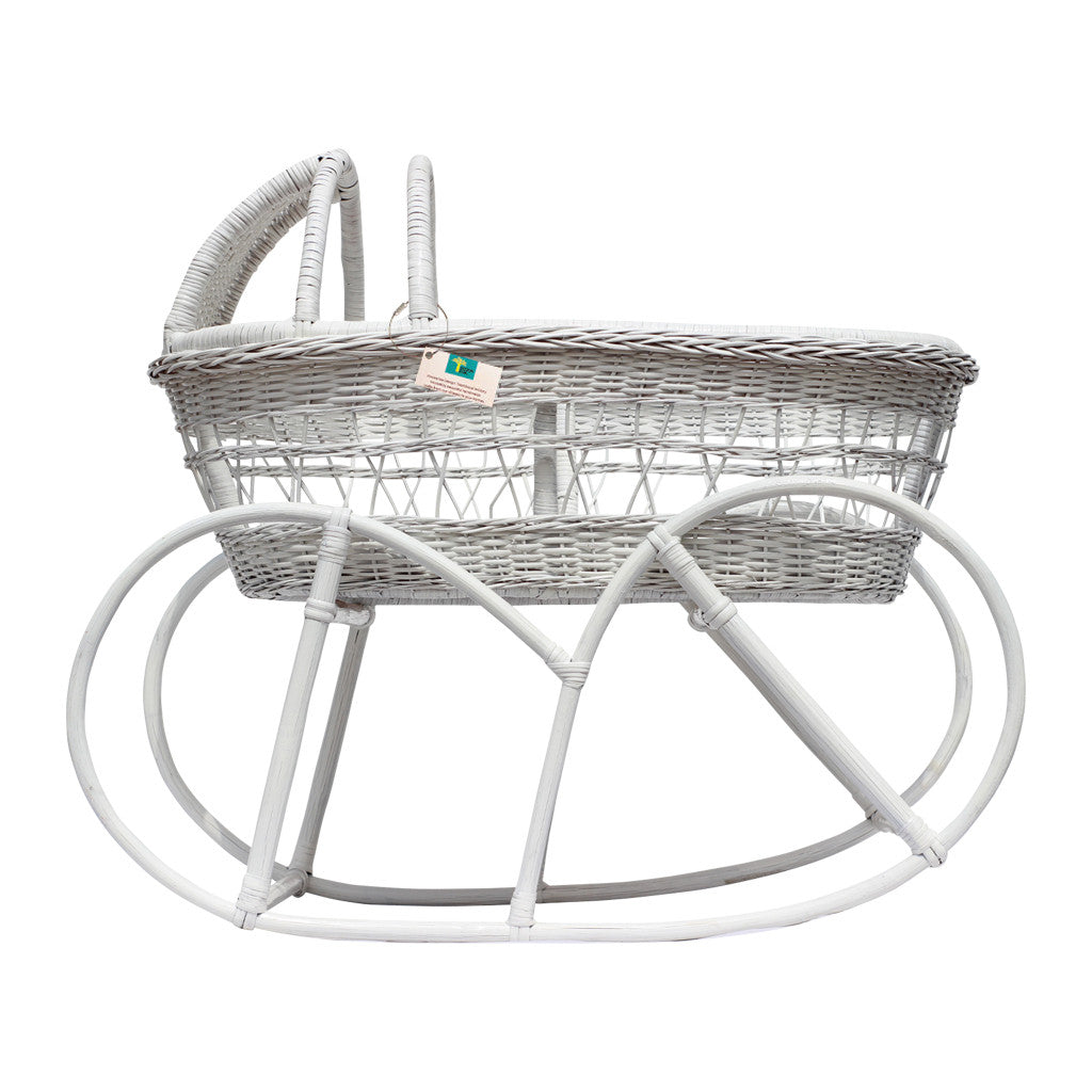 White Vintage Wicker Bassinet - Design Dua.