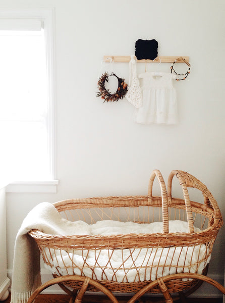 Vintage Wicker Bassinet Design Dua