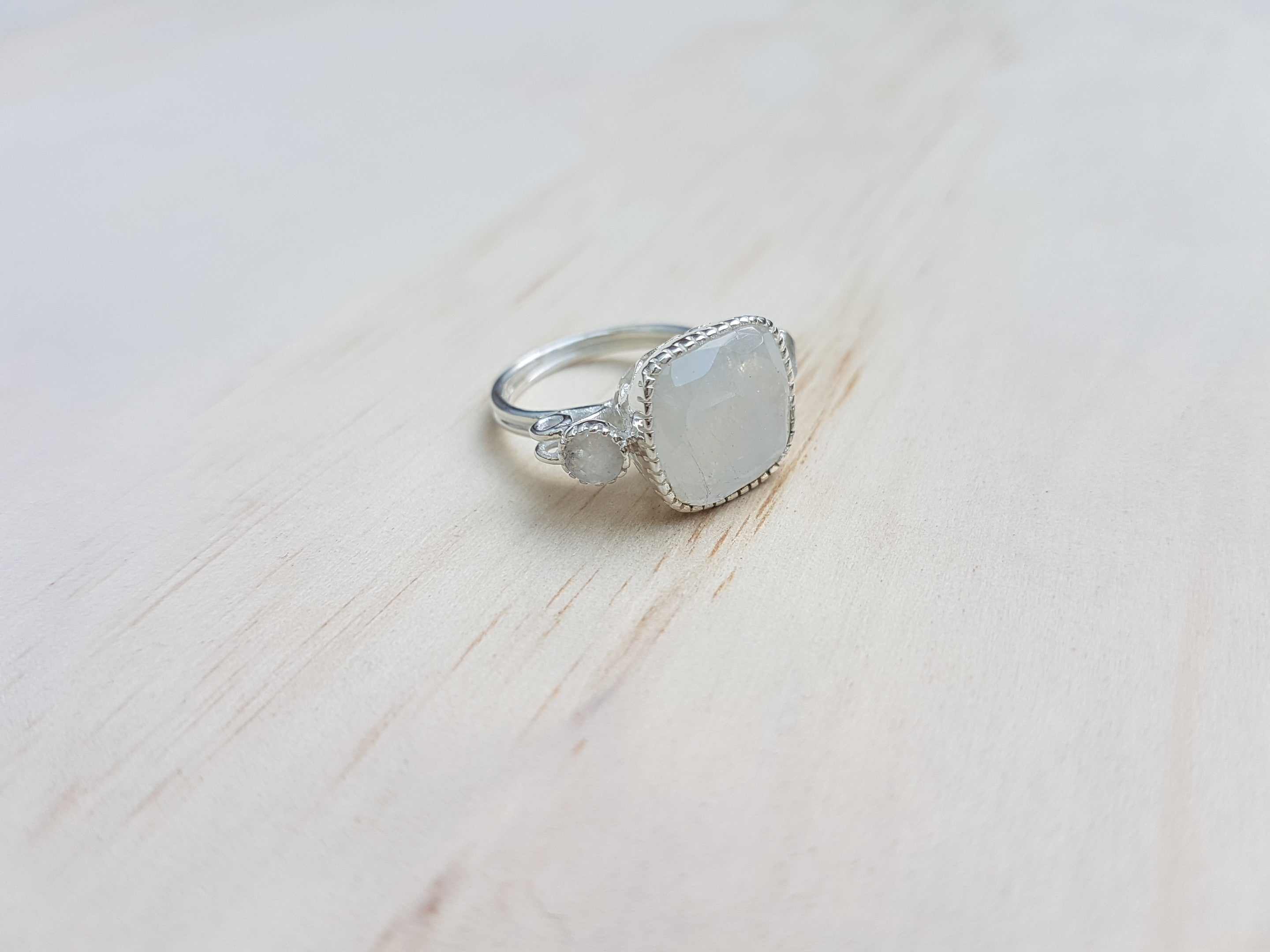one il size silver moonstone moon listing ring rings sterling square photo fullxfull gallery