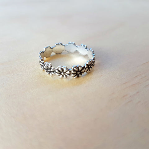 Silver Daisy Chain Ring