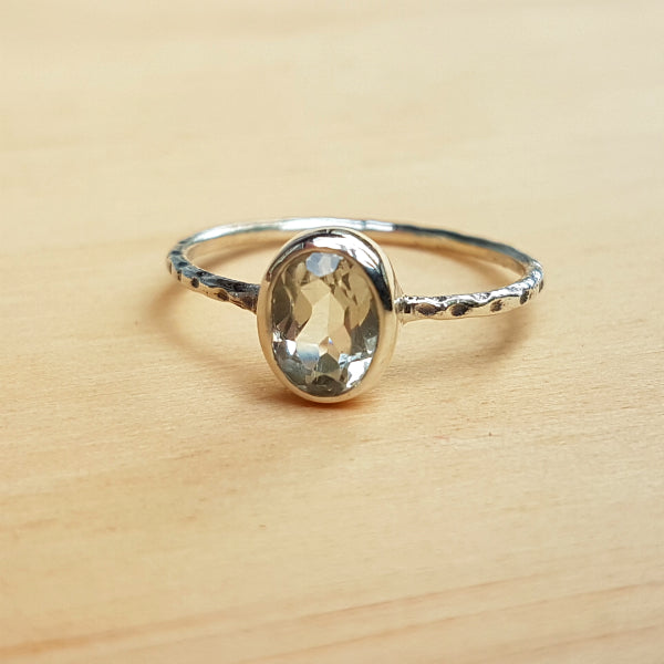 Green Amethyst Hammer Band Ring