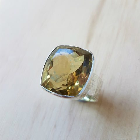 Lemon Quartz Beat Ring