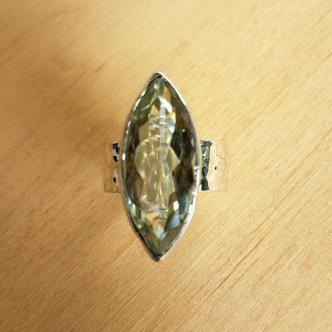 Green Amethyst Beat Ring