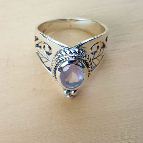 Rose Quartz Jali Wishbone Ring