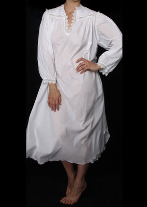 173 Long gown with long sleeves