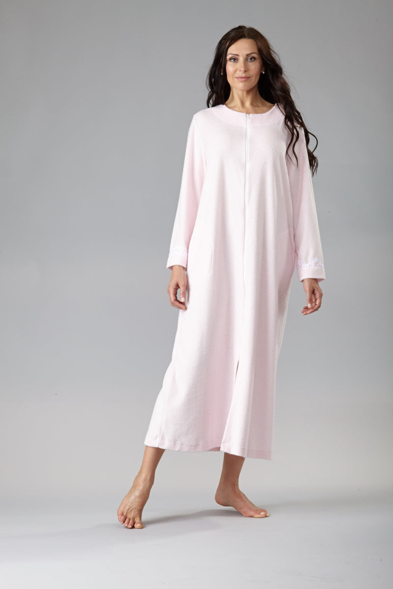 40341 Pretty long zipped robe