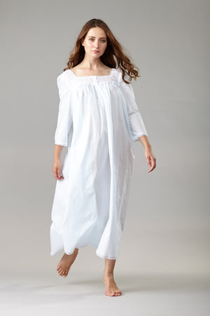 40100 - Long night gown