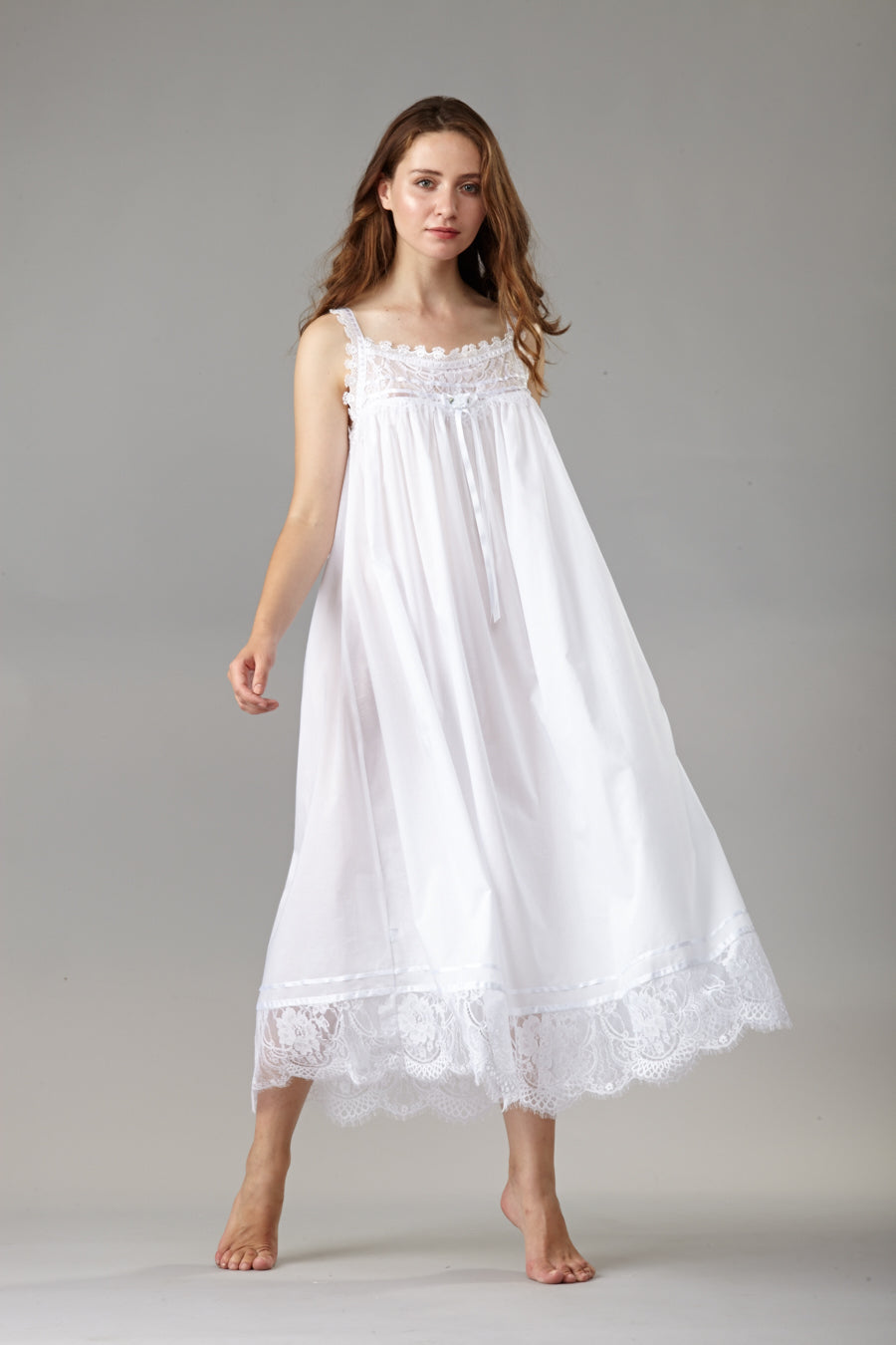 39612 - Long gown / 39613 - Short gown