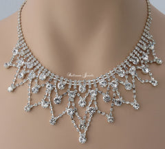 Crystal 'V' loop necklace set
