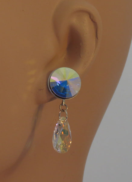 Rivoli shaped crystal and small tear drop dangle earrings
