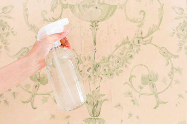 Use alcohol to remove wallpaper