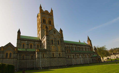 WADE BUILDING SUPPLIES | BUCKFAST ABBEY DEVON ENGLAND CONSTRUCTED BY MEDIEVAL MONKS USING WOODEN SCAFFOLDING