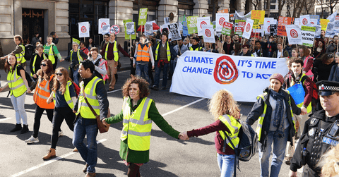 WADE BUILDING SUPPLIES | CLIMATE ACTIVISTS MARCHING THROUGH LONDON