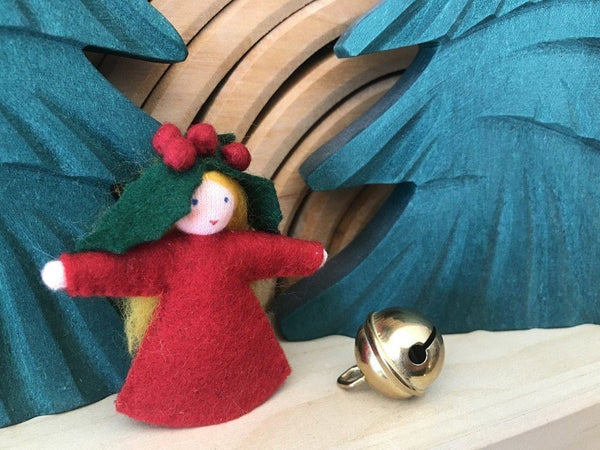 Ambrosius finger puppet, holly
