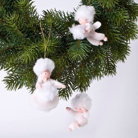 Ambrosius snowflake baby with snowball ornament