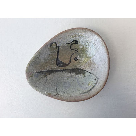 I12 Small Stoneware Dish by Ione Peries
