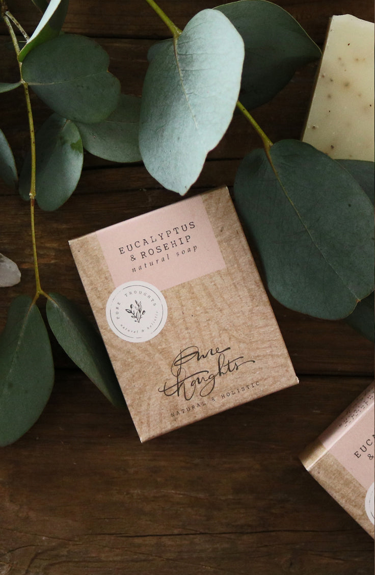 Lift the spirit.  Ground rosehips to gently exfoliate, together with inspiring essential oils; rosemary for clarity, eucalyptus for harmony and geranium to restore balance.