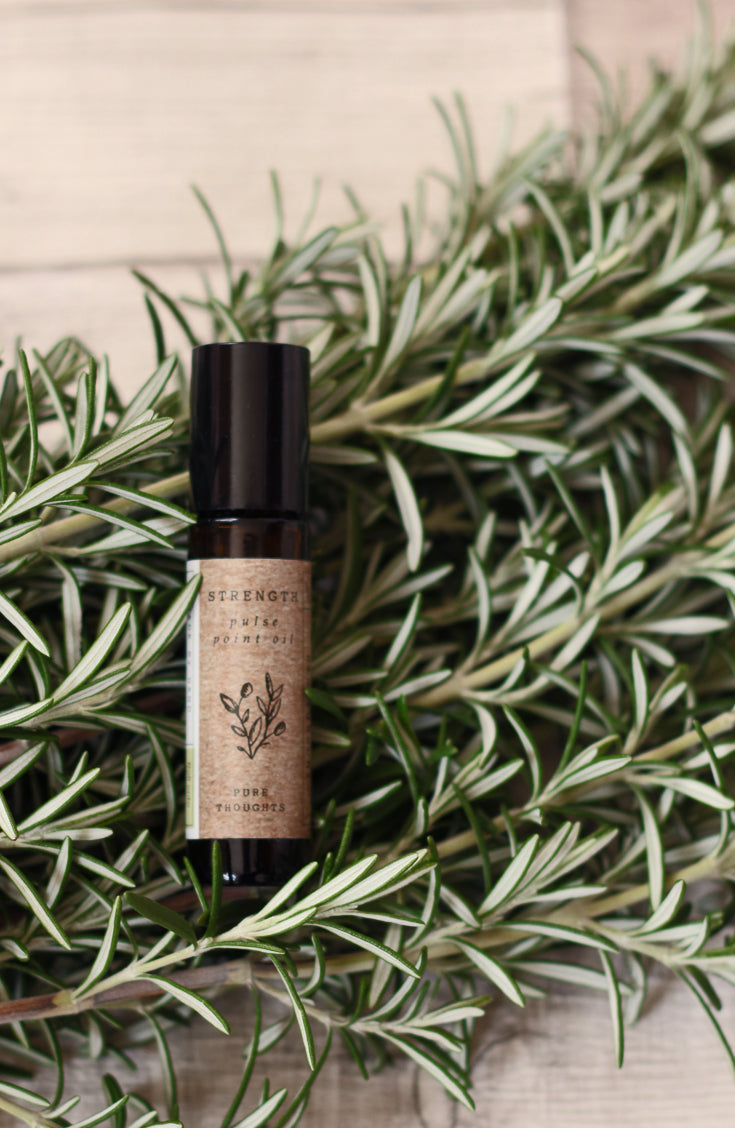 Support inner strength and happiness.  An uplifting, roll on aromatherapy blend that delivers naturally invigorating essential oils.